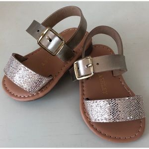 *Baby Girls Size 2 Gold Sandals*